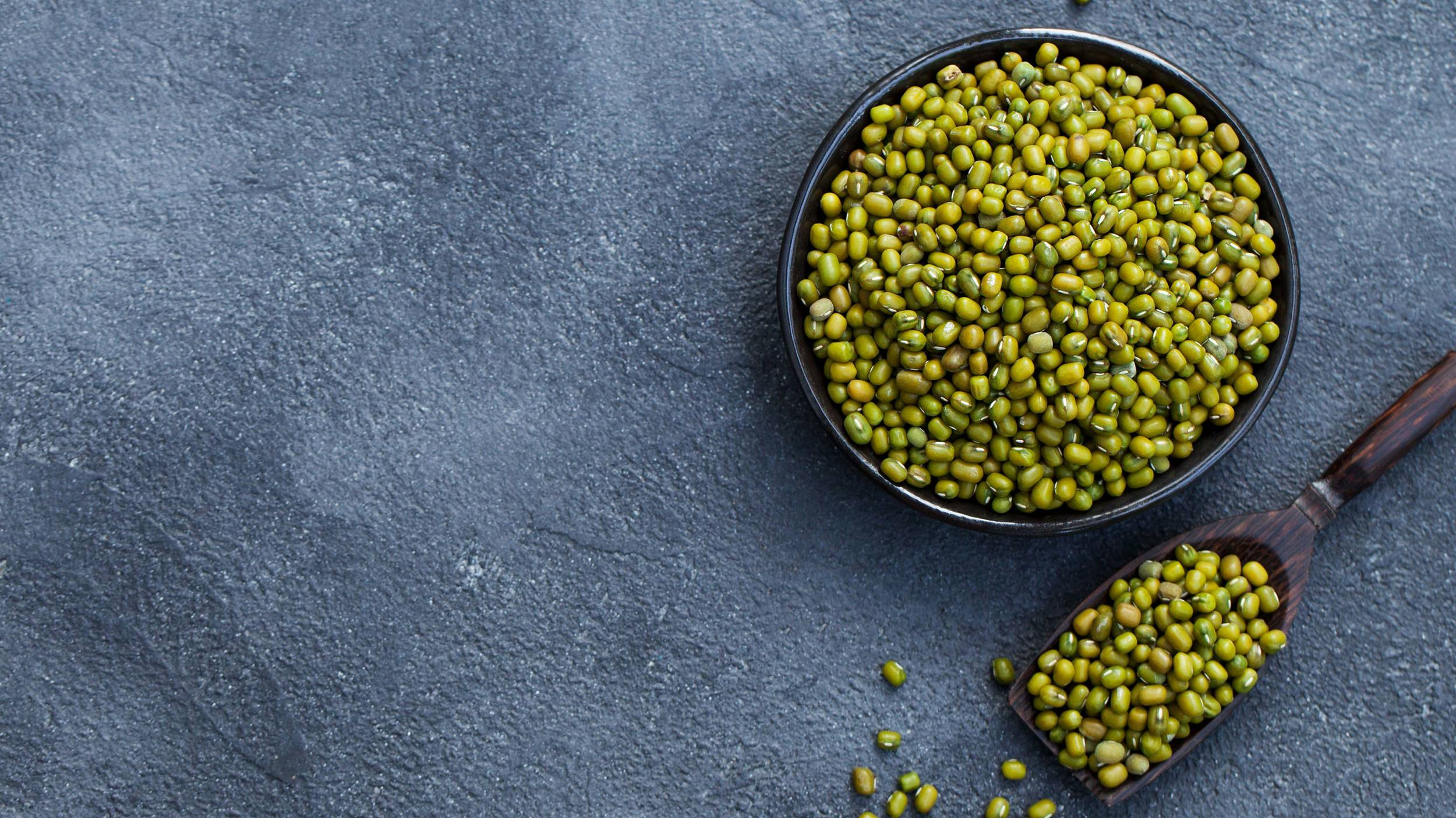 Mung beans have a slightly sweet and nutty flavour and are traditionally used in both sweet and savoury Asian dishes.