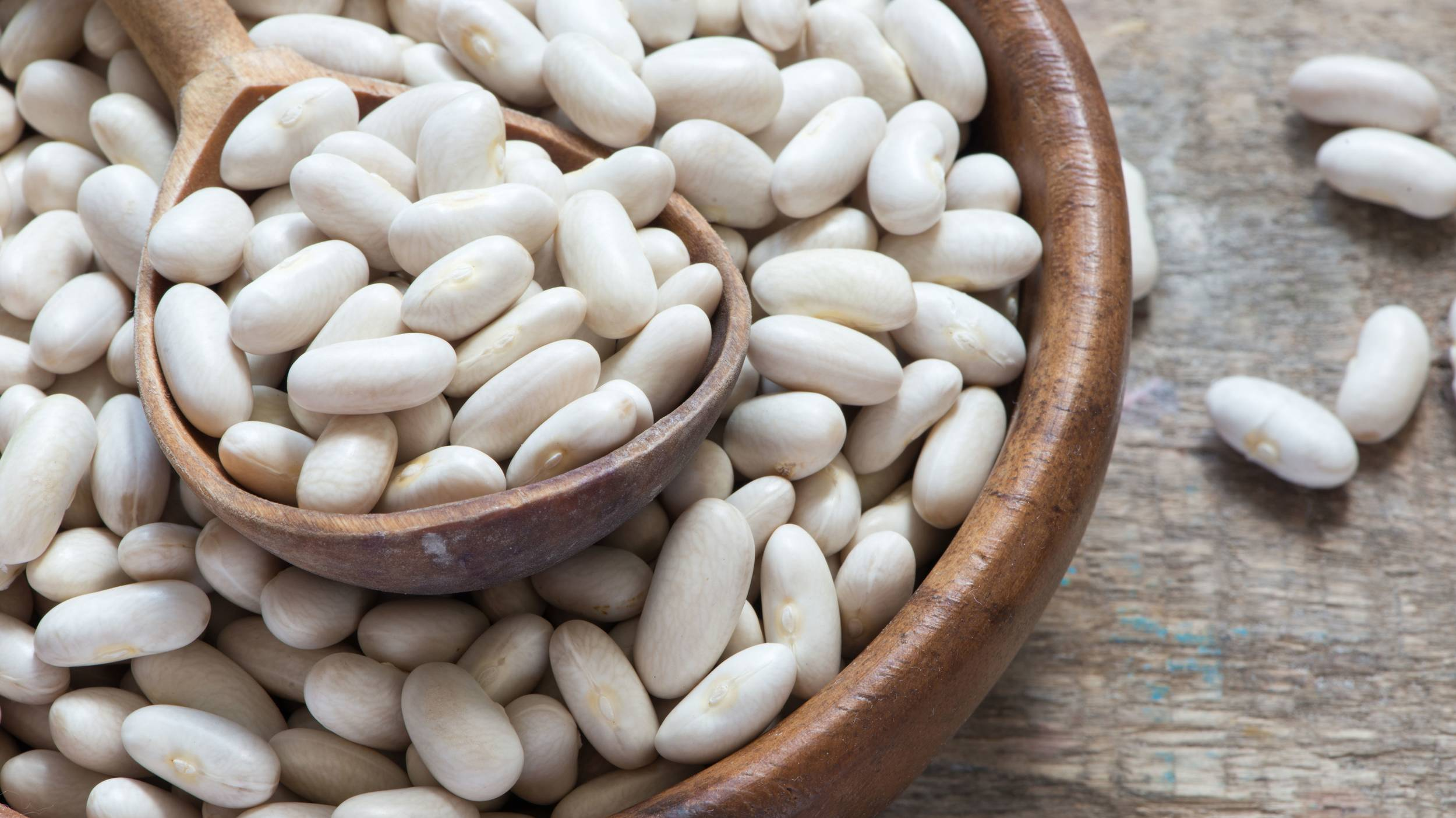 Known for their soft texture and ability to carry flavor, cannellini beans are a great addition to stews, chillis, soups, casseroles and curry dishes.